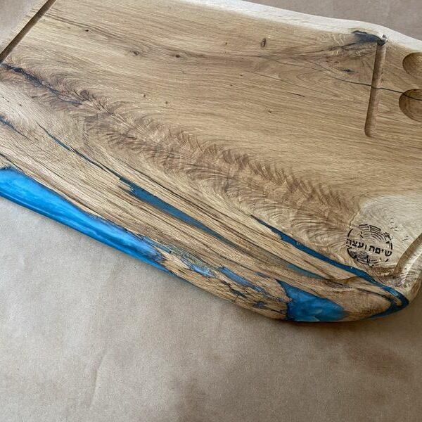 בוצ'ר אלון מבוקע בשילוב אפוקסי כחול
