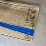 בוצ'ר אלון עם אפוקסי כחול