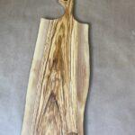 קרש חיתוך והגשה מעץ זית טבעי