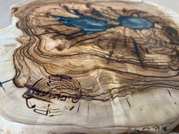 בוצ'ר מעץ זית ואפוקסי